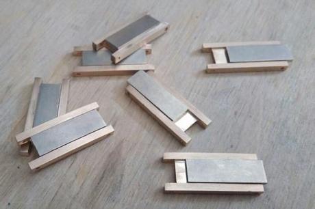 ajustement des inserts en or blanc