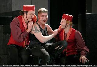Hamlet dans l'adaptation de Xavier Lemaire et Camilla Barnes