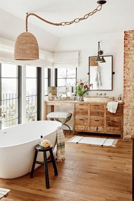 style rustique parquet salle de bain baignoir mur briques