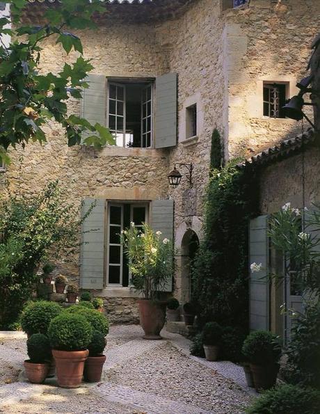 style rustique murs de pierre maison campagne