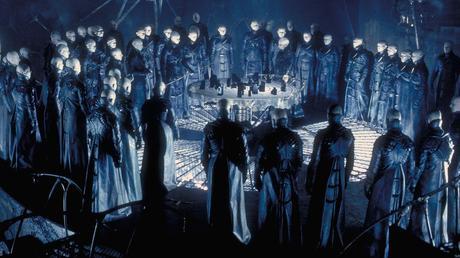 Dark City réalisé par Alex Proyas