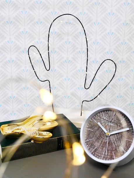 hygge box avis lampe bois scandinave petit plateau cactus doré