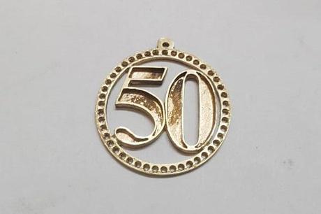 création pendentif lapis en or