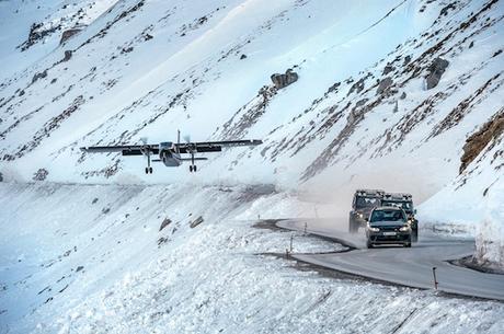 007_Bond Elements_Vehicles on location