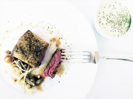 Bœuf de Kobe cuit à la perfection et assaisonné à la fleur de caviar Petrossian