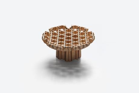 La collection géométrique Cross par le studio Thinkk