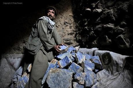 extraction de lapis lazuli de la mine