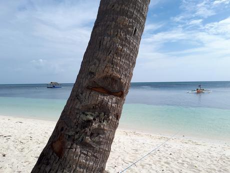 La plage de Paliton à Siquijor aux Philippines