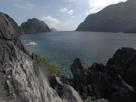 Vue sur l'archipel de Bacuit depuis Matinloc Shrine
