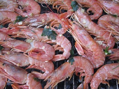 Crustacés, fruits de mer, poissons, viande marinade aux jus d'orange et citron, coriandre fraîche, piment