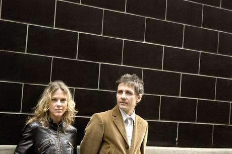 Blonde & Idiote Bassesse Inoubliable***********Back Numbers de Dean & Britta