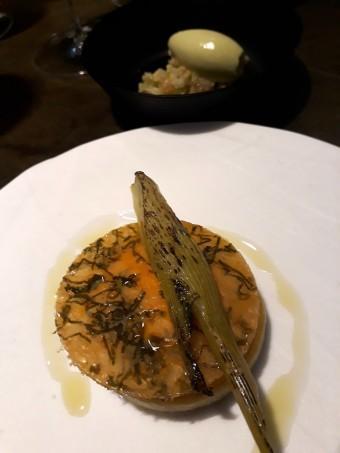 Fenouil, glace citron caviar, cèleri en brunoise, safran © Gourmets&co