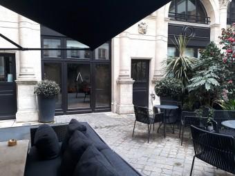 Cour intérieure du restaurant © Gourmets&co
