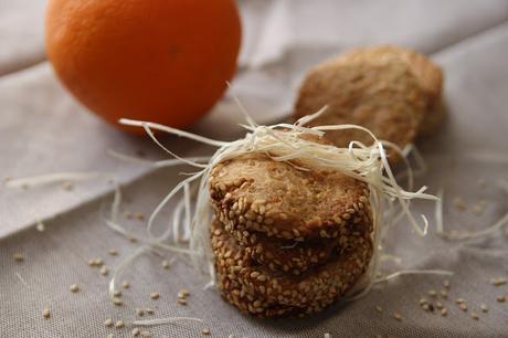 Cuillère et saladier : Sablés sésame orange