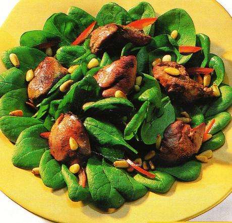 Salade de pousses d'épinards aux béatilles de volailles confites