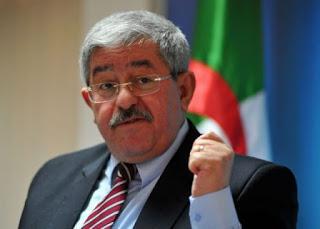 Ouyahia menace les jeunes qui refusent de passer leur service militaire