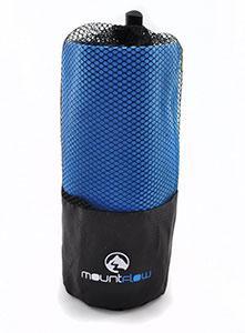 Une serviette microfibre compacte qui sèche vite, idéale pour le voyage