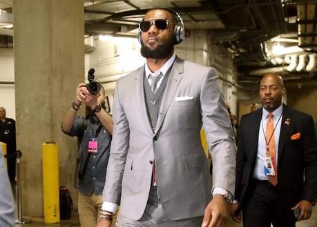 LeBron James offre des costumes Thom Browne à tous ses coéquipiers