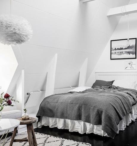petit appartement blanc coin repos chambre vue salon