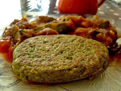 Steaks de brocolis aux cacahuètes (Vegan)