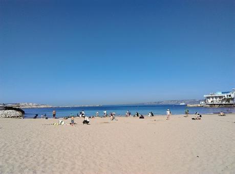 plage catalans marseille bord de mer