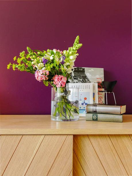 deco fleurie vase hygge mauve prune mur fleurs bouquet creation personnalisation decoration blog deco