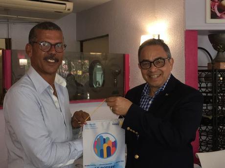 Le Président du Rotary International rend visite au District 7030.