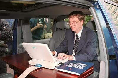 Bill Gates dit aux étudiants de Harvard qu'il a eu du mal à quitter cette mauvaise habitude pour s'assurer que Microsoft soit un succès