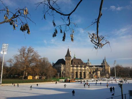 Une patinoire dans le coeur de Budapest