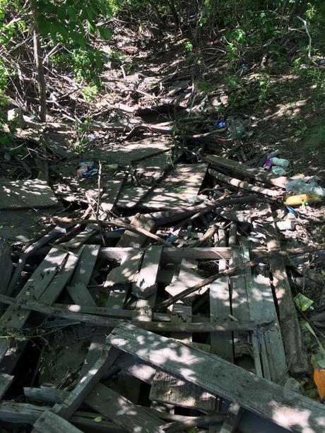 Qui est responsable de la grosse poubelle à Deux-Montagnes ?