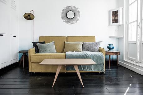 16m2 paris salon canape depliable chambre jaune coussin miroir soleil table bois mur peinture bleu degrade