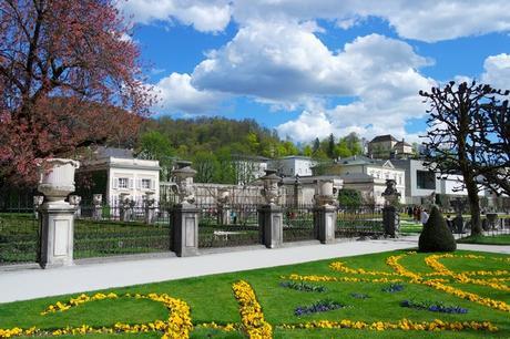 salzbourg city guide schloss château mirabell jardins