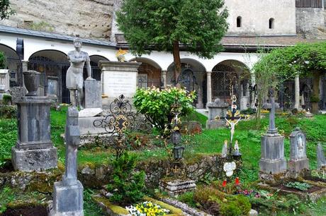 salzbourg city guide cimetière saint pierre petersfriedhof