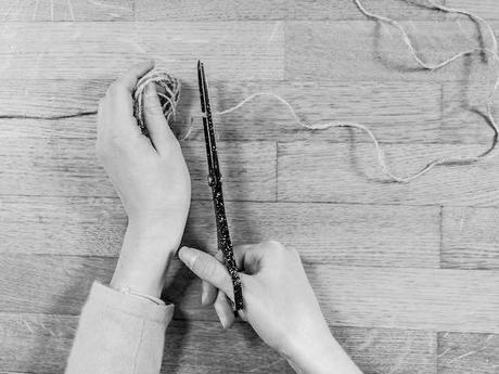 activite facile lapin marque page carre coupe triangle tete fin corde