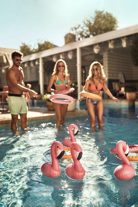 jeu de lancer anneau gonflable pool party piscine flamant rose