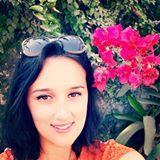 Photo de profil de Alexiane De Lys, L'image contient peut-être: 1 personne, sourit, fleur, plante et plein air