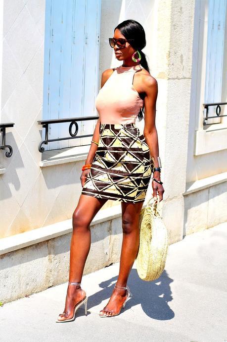 idee-look-mode-ethnique-bijoux-jupe-wax