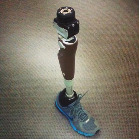 Cette prothèse de jambe Snap-On pourrait rendre la vie plus confortable aux amputés