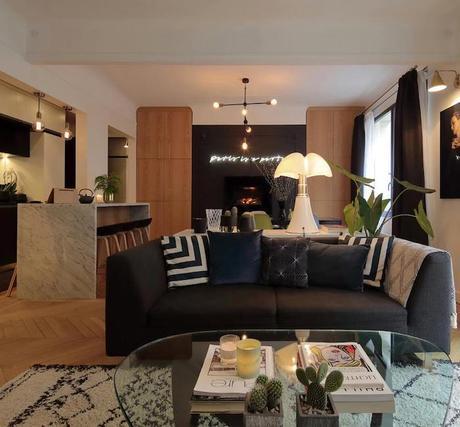 appartement chic parisien salon noir et blanc separation