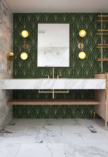 salle de bain art déco carrelage céramique géomatrique verte