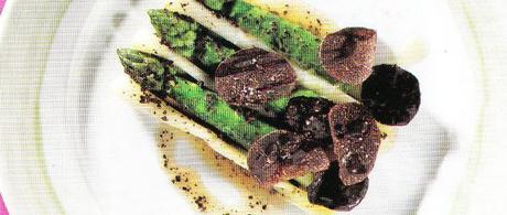 Les premières asperges violettes, fins poireaux, dernières truffes noires