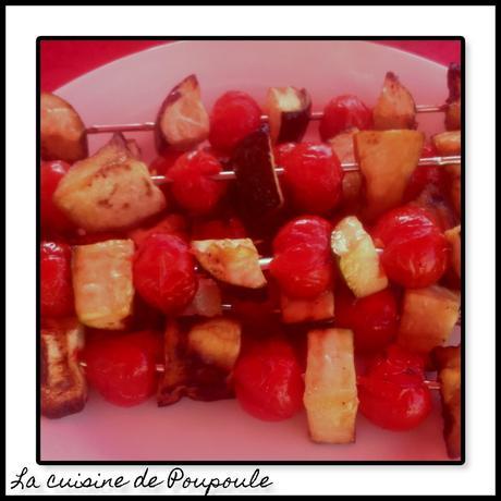 Brochettes courgettes, aubergines, tomates cerise à la plancha