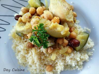 Couscous poulet, courgette & pois chiche aux raisins secs