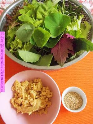 Repas complet Vegan et healthy (pois chiches, chou, salade)