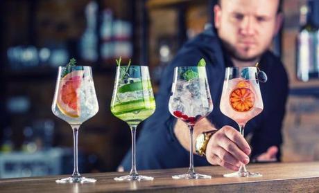 Des barmen créateurs de cocktails