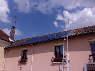 Les équipes d'installateurs de France PAC Environnement vont pouvoir retirer leur échelle