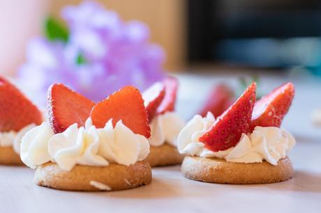 dessert_sable_fraises_chantilly_mere_poulard