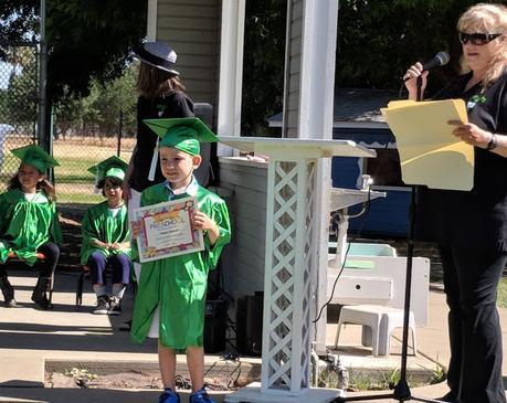 La cérémonie de graduation de pre-school
