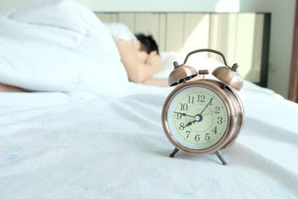 C'est un sommeil insuffisant de manière chronique, et non l'éveil prolongé, qui entraîne des troubles de la performance.
