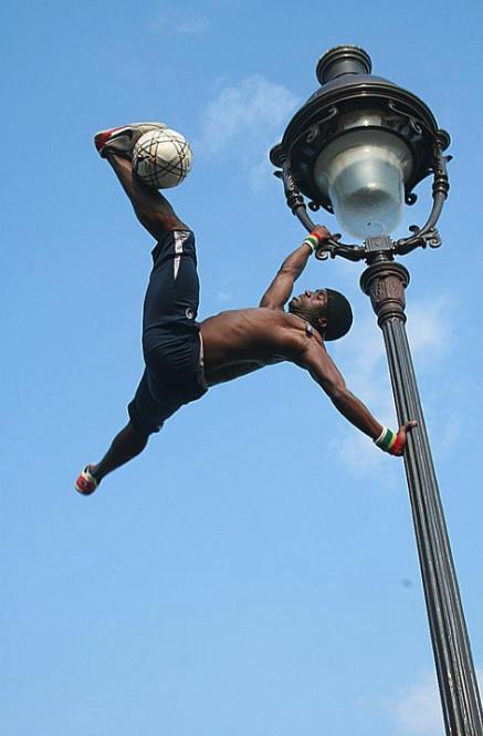 Un artiste du ballon rond : Iya Traoré